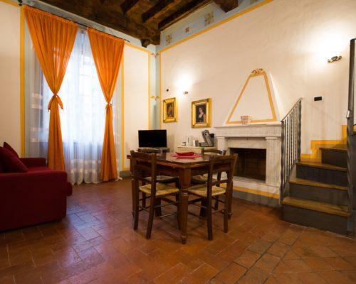 appartamento-boheme-soggiorno-1-500x400 Lodging in Lucca